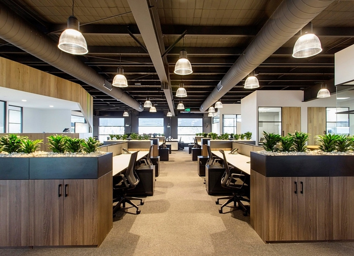 cameron-industrial-office-design-3-700x507